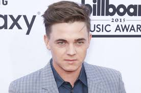 What Did Jesse McCartney do to his face?   Page 2   Lipstick Alley