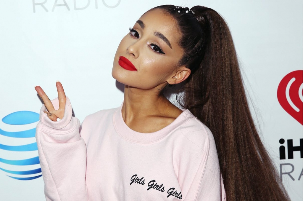 1549322778313491 ariana grande bstg 2018 billboard u 1548 What you need to know about Ariana Grande's plastic surgery December 21, 2020