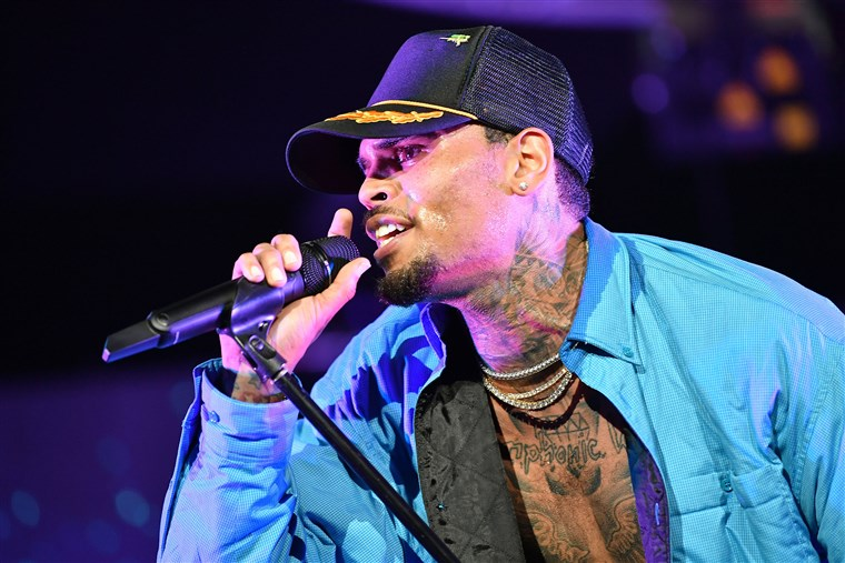 celeb plasticsurgery 180706 chris brown mc 1205 07dad541c809d6aea95875cd00540a38.fit 760w 20201203 Chris Brown's mother looks completely different after Plastic surgery October 30, 2020