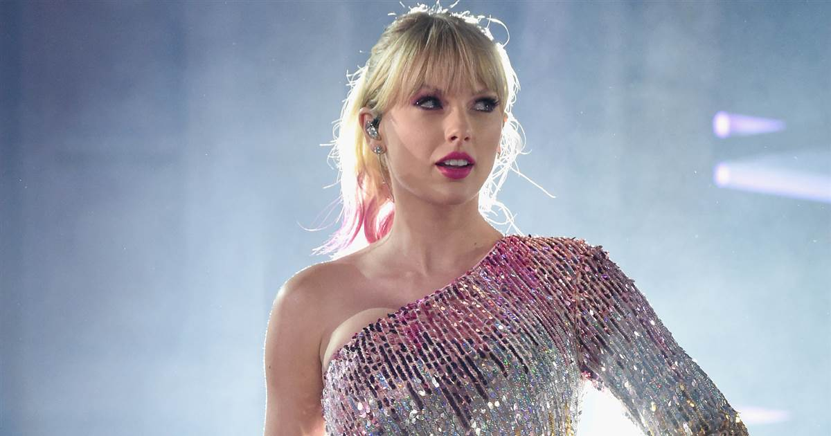 celeb plasticsurgery 190702 taylor swift main mn 0805 5dda0bc7527ad68343275846bff288e6.nbcnews fp 1200 630 20201203 Taylor Swift Before and After plastic surgery November 9, 2020