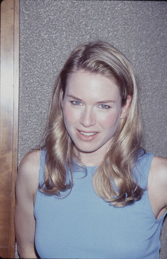 celeb plasticsurgery 1e55e683de463b2092c528ceee409388 20201203 Renee Zellweger Before and After Plastic Surgery November 9, 2020